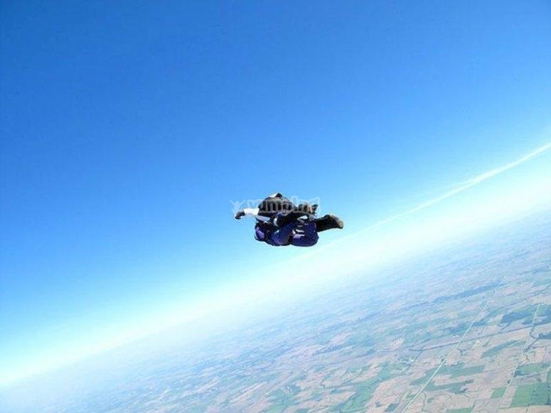 Lánzate en paracaídas desde Trebujena a 3.000 metros