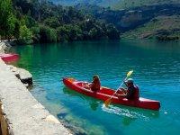 Llegando con el kayak al embarcadero