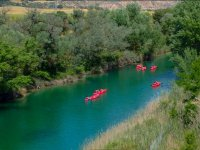 Siguiendo el curso del rio en kayak