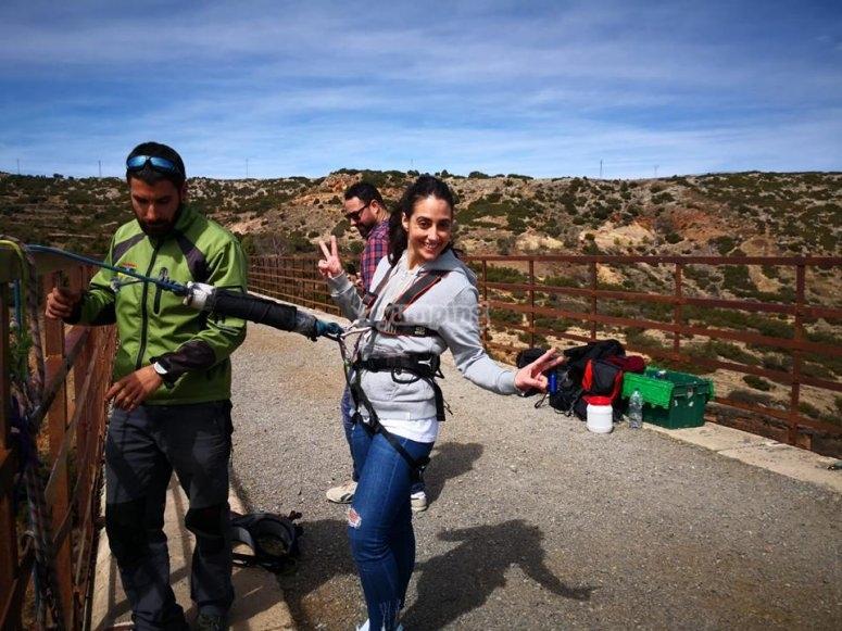 Salto de puenting en Albentosa