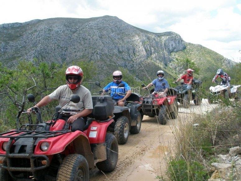 Haciendo una excursion en quad