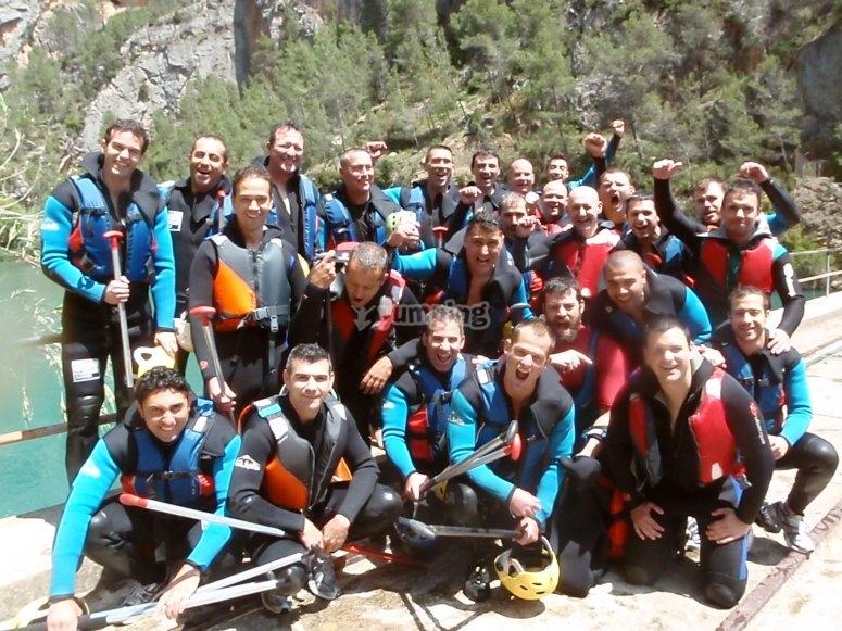 Grupo para hacer rafting