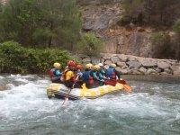Descenso de rafting en aguas bravas en Castellón
