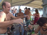 de fiesta a bordo del barco