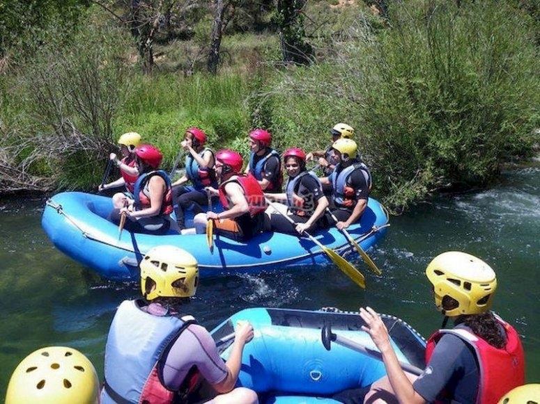 Apúntate a un descenso de rafting en el río Guadiela