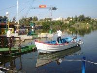 Barca para recoger a los ca�dos