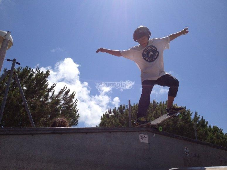 Campamento de skate - Camper Grabando Video
