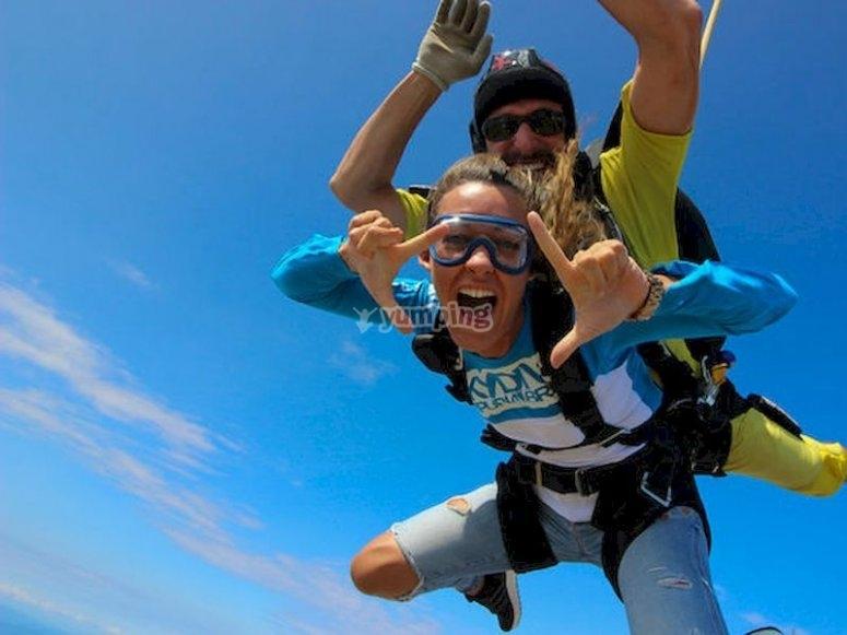 Salta en paracaídas desde Empuriabrava