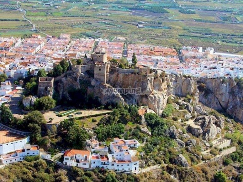Vuela en helicóptero sobre el castillo de Salobreña