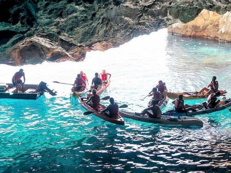 Navega en kayak y haz snorkel en Cerro Gordo