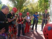 suraventura标志学习,以确保在登山装备线束