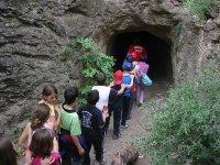 Studenti che camminano nel Parco Naturale di El Chorro