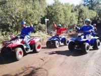 Varios pilotos de quads
