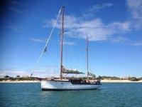 Giro in barca a vela di 4 ore + snack per bambini Huelva