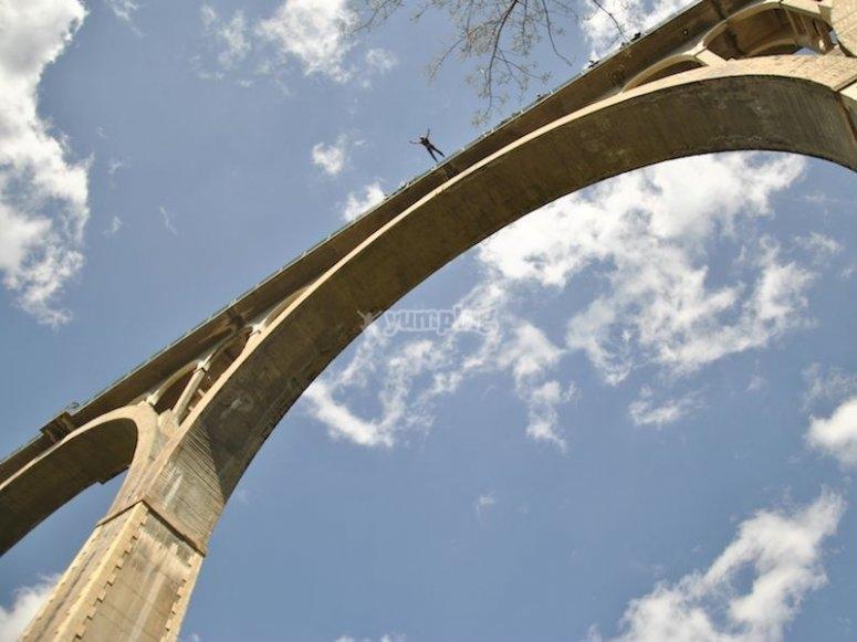 Salta desde el puente de La Bolera
