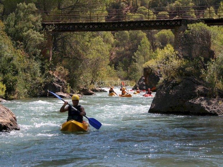 Kayak por aguas bravas en La Hiruela