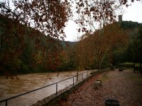 Bordeando el río Muga