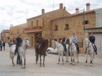 Paseo a caballo por pueblos rurales