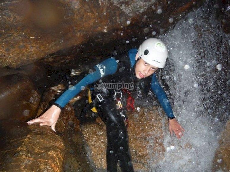 Haz un descenso de barranco en Picos de Europa