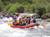Rafting descent with kids