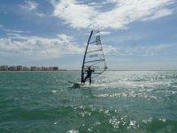 Deporte acuatico de vela