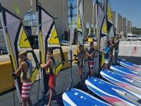 参加帆板运动材料