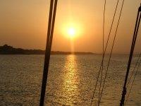 Giro in barca a vela Sunset 2 h + Cava Huelva