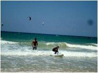 在Tarifa冲浪