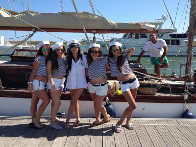 Addio al celibato in barca a vela 4 h Huelva