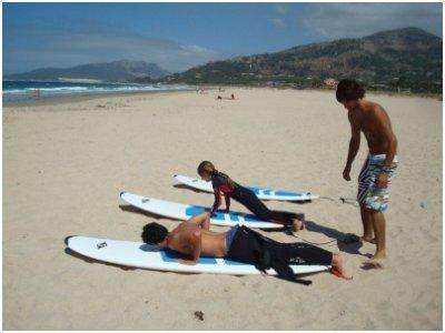 Clases de surf 6 horas + alojamiento