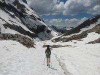 Ascenso por nieve con bastones