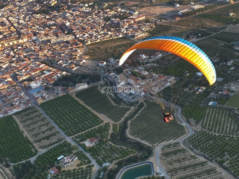 Fly paragliding with your partner in Simultaneous paragliding in Alhama de Murcia