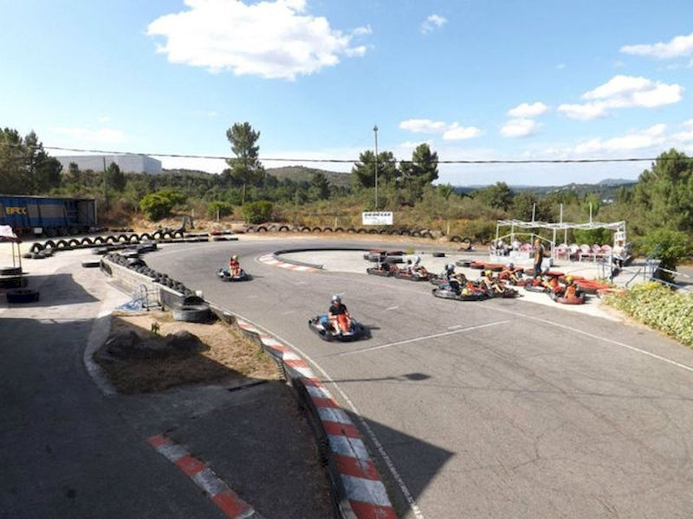 Pilotar un karting en Monterrei