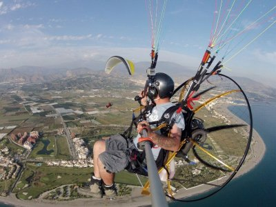 Valentine's Day paragliding + accomodation