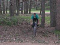 享受大自然和山地自行车