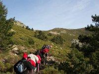 练习穿越瓜达拉玛山脉的徒步旅行