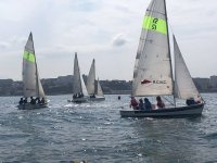 Lezioni di vela con monitor professionali