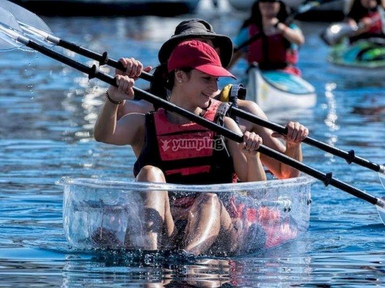 Disfruta de una ruta en kayak transparente por Radazul