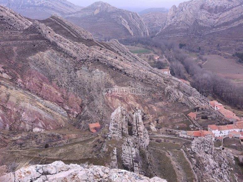 Senderismo en el Parque Geológico de Aliaga