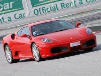 Conduce uno de nuestros Ferraris