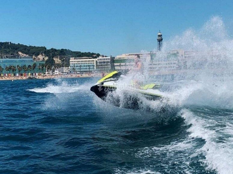 En Port Olimpic con la moto de agua