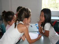 Alumnas compartiendo clase