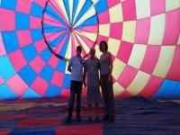 Dentro del globo antes de volar