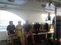 En el barco rumbo al buceo