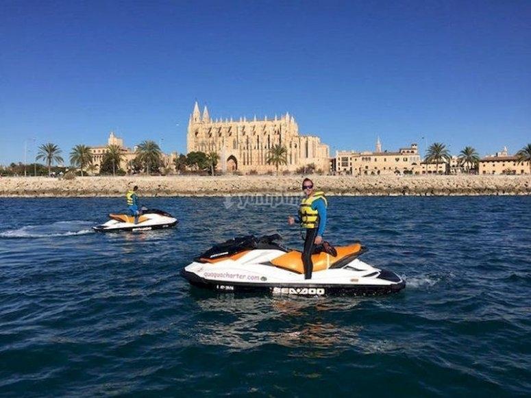 Haz una excursión en moto acuática por la bahía de Palma