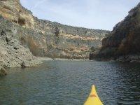 Sailing in a canoe through the Duraton