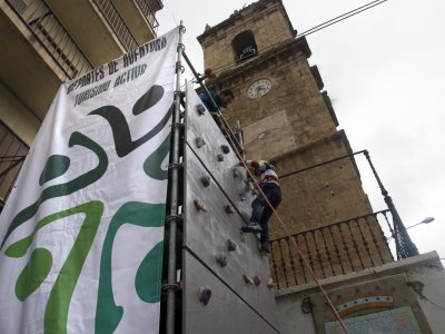 Mobile climbing wall for parties & events 8 h