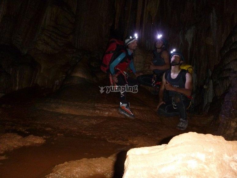Valporquero Caves
