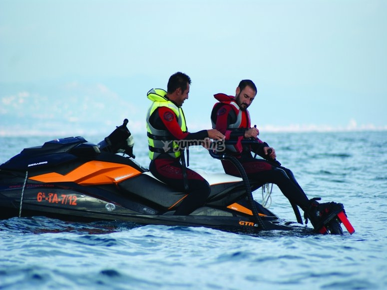 Jet ski to support the flyboard