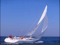 在Benalmadena乘船游览